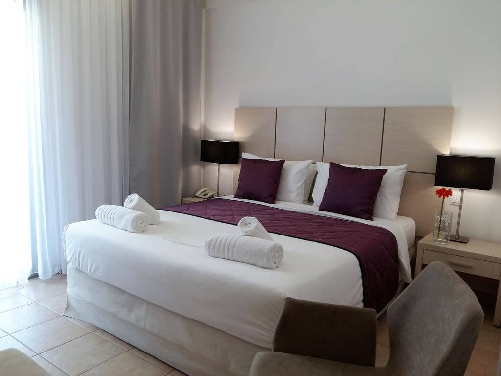 Номер в двухзвездочном отеле Akrogiali Boutique Hotel