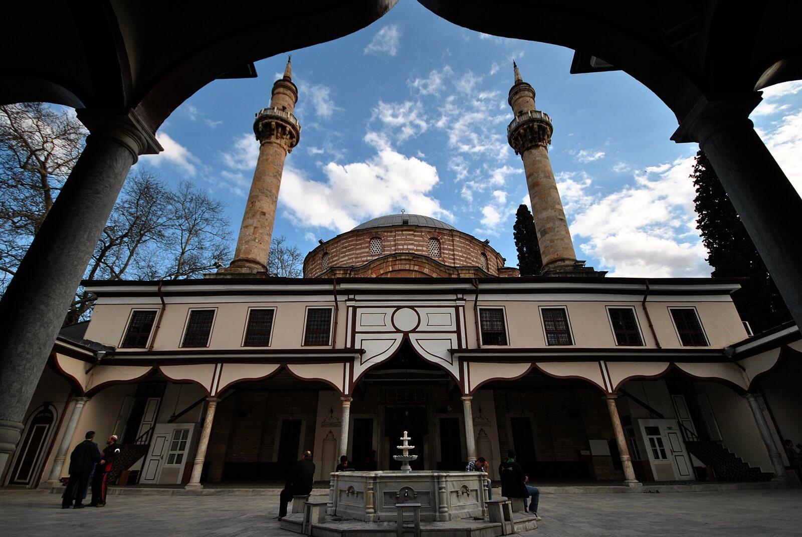 Мечеть Султана Эмира