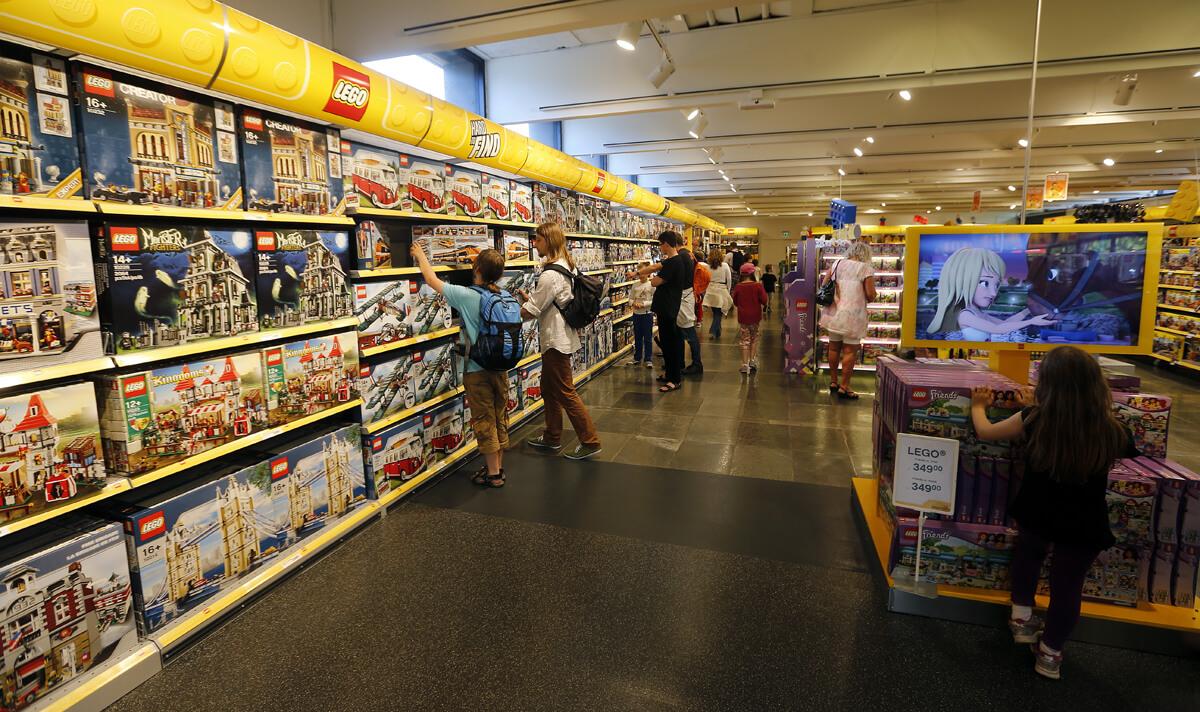 Самый большой магазин лего в Леголенде Биллунда