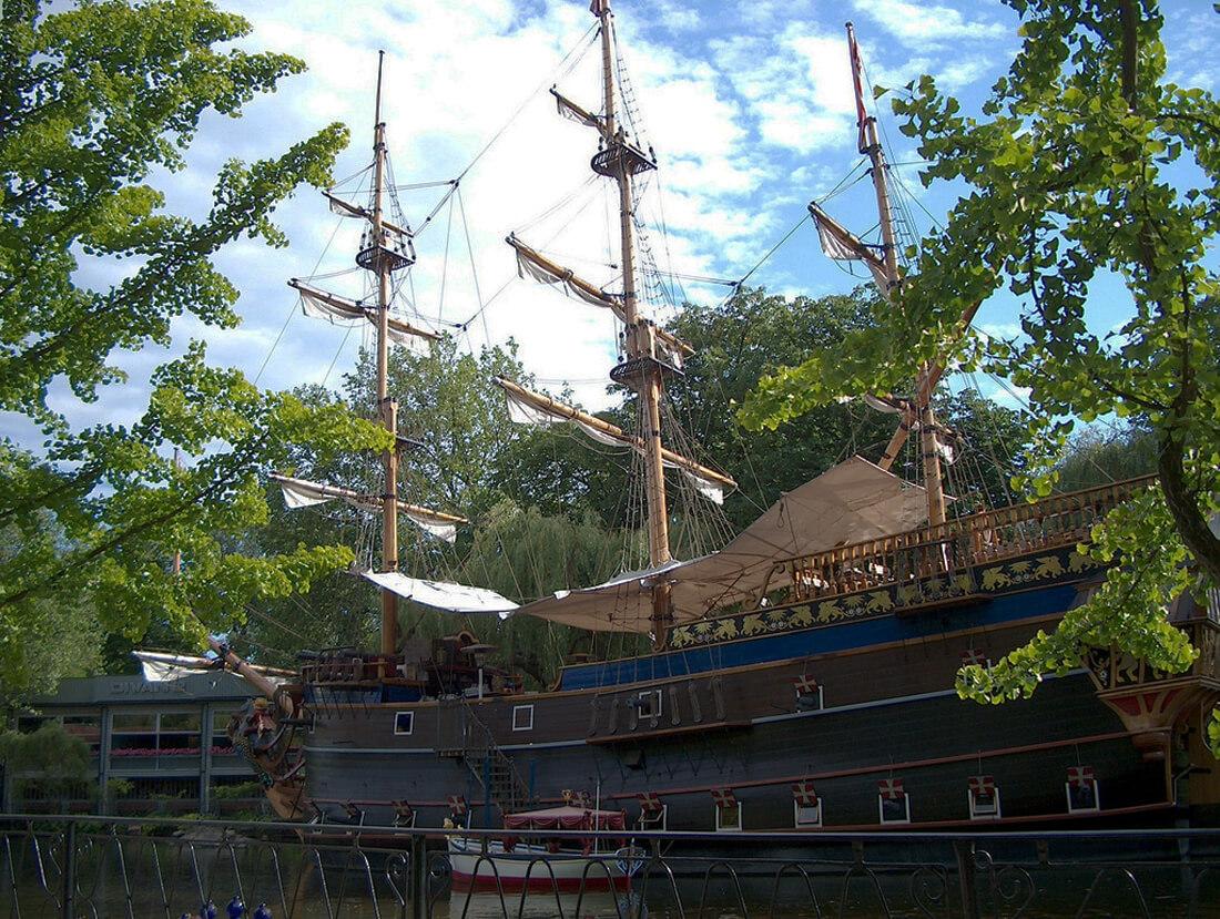 Пиратский корабль Тиволи
