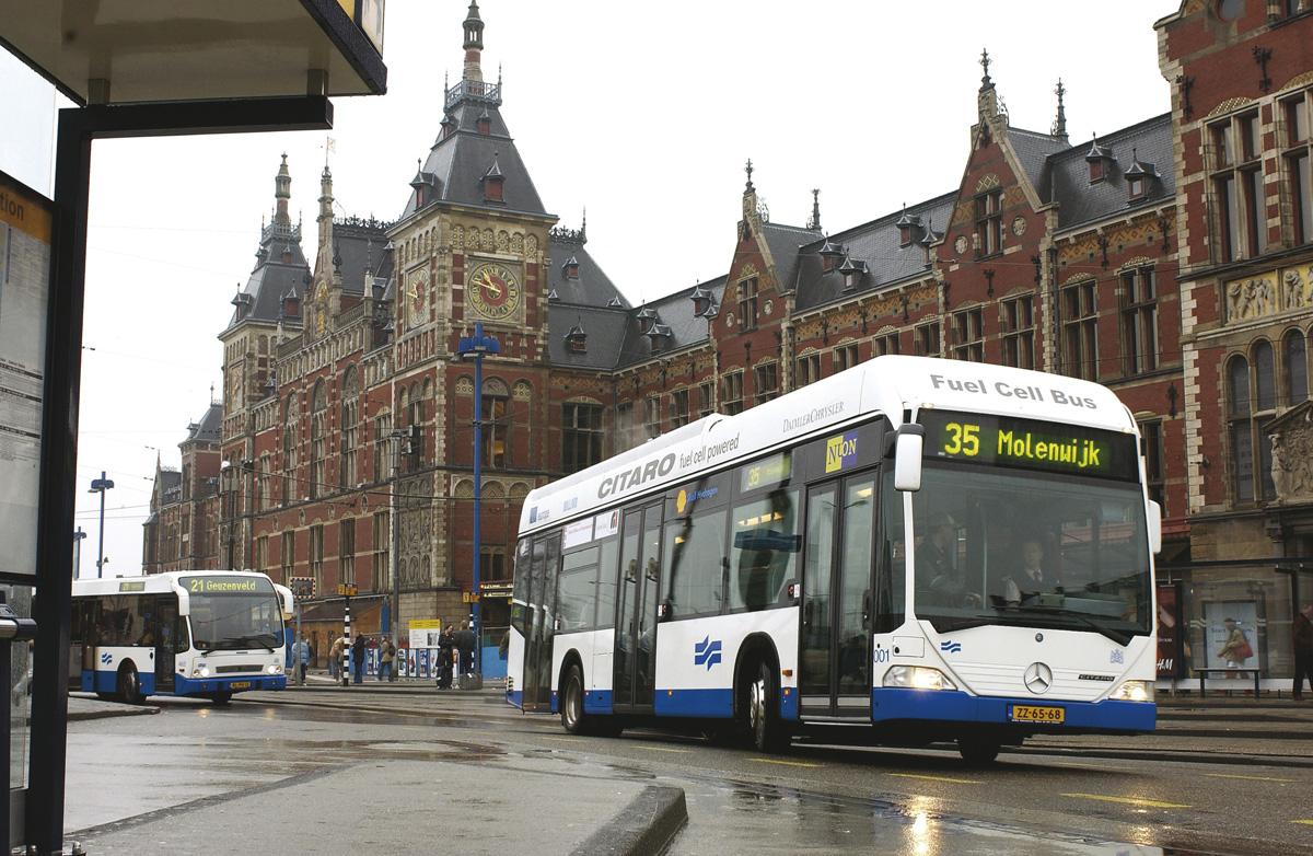 Автобусы в Амстердаме