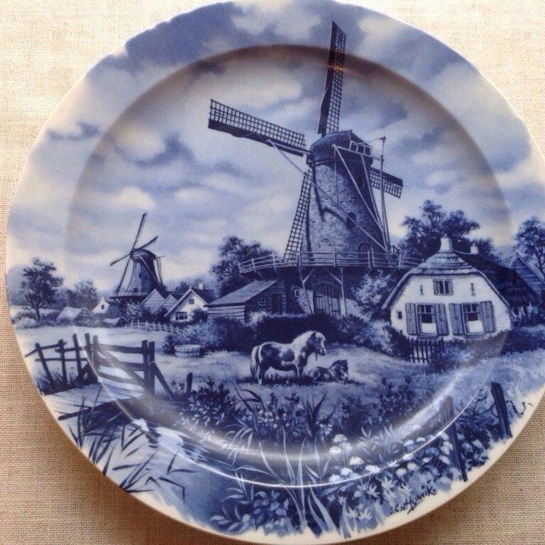 Сувенирная тарелка, далфтская керамика