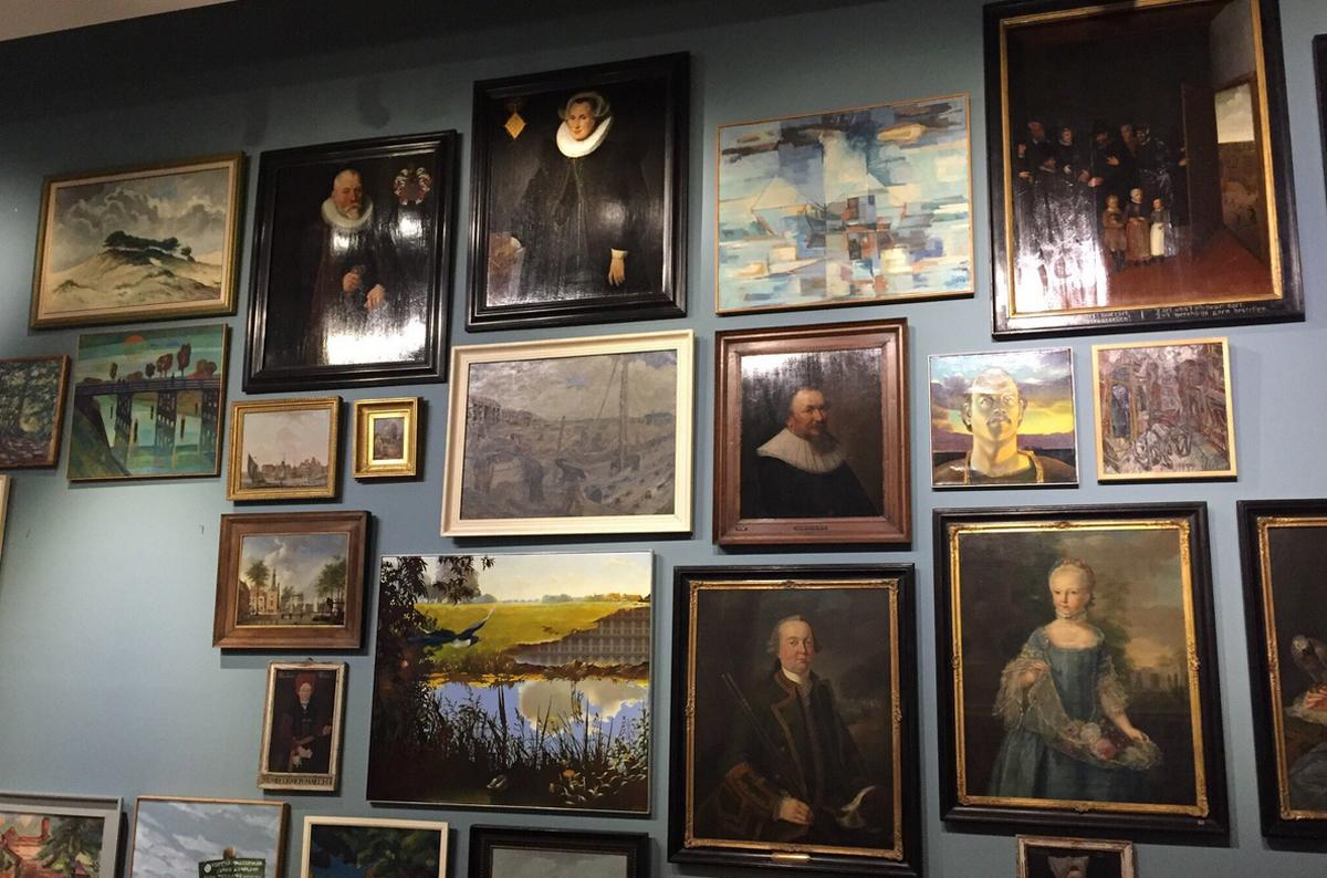 Картины в городском музее, Алкмар