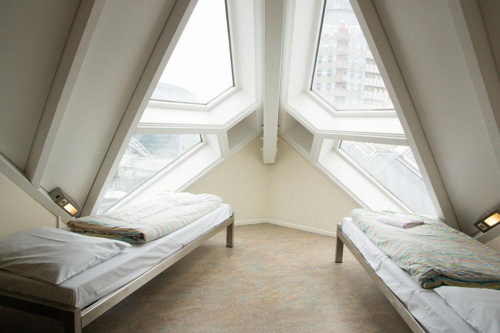 Окна в кубических домах