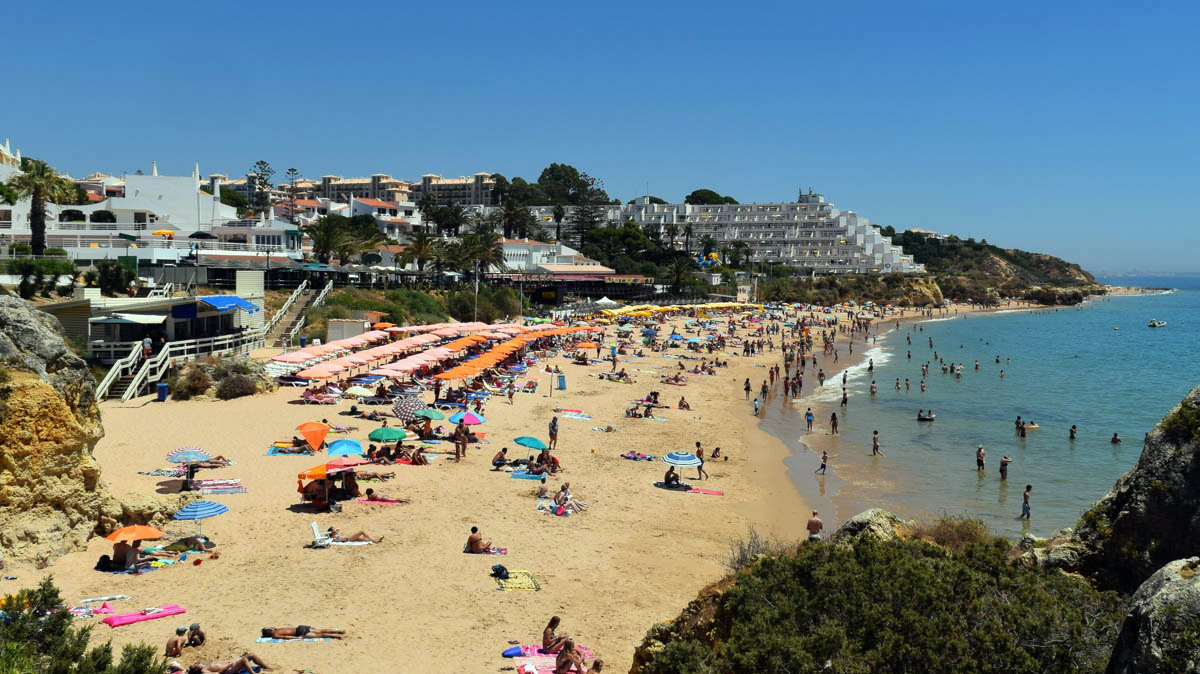 Пляж Praia da Oura