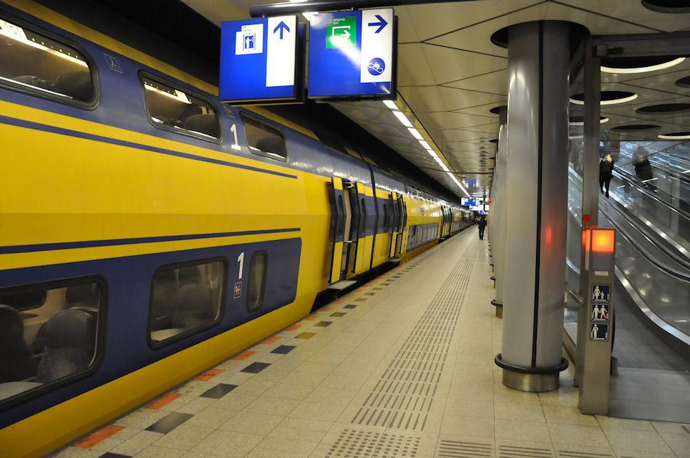 Поезд из Схинпот до Роттердама