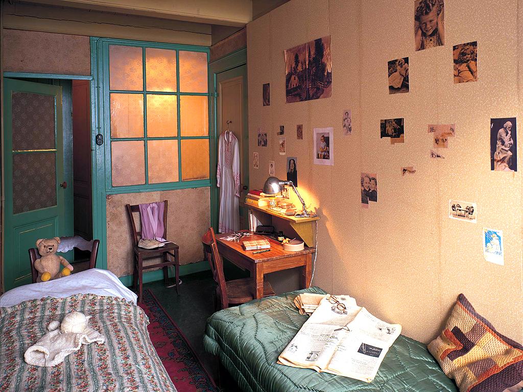 Так выглядела комнатиа Анны Франк