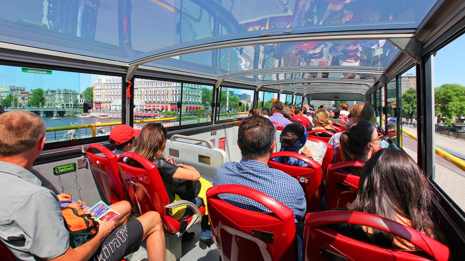 Туристический двухэтажный автобус