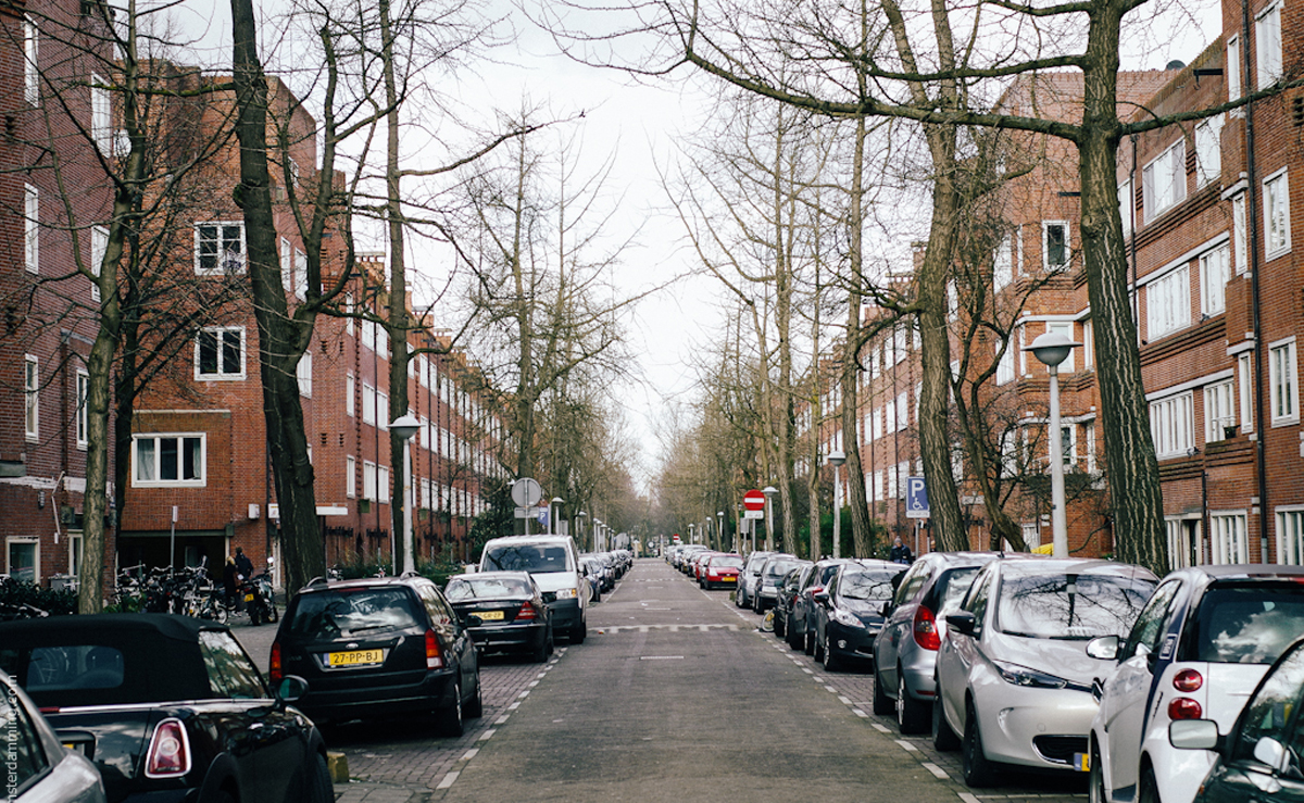 Улица района De Baarsjes