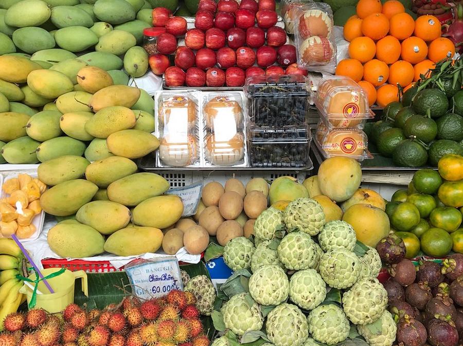 Фрукты на рынке Бен Тхань