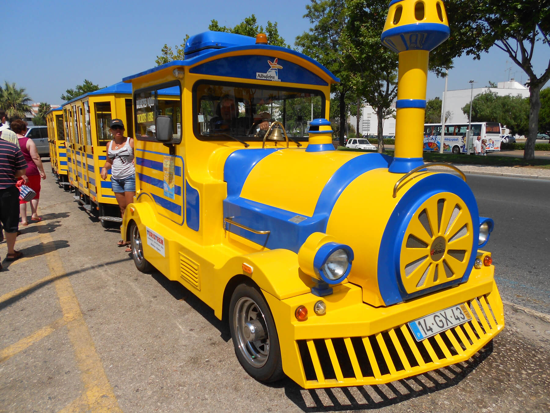 Мини-поезд на курорте Албуфейра