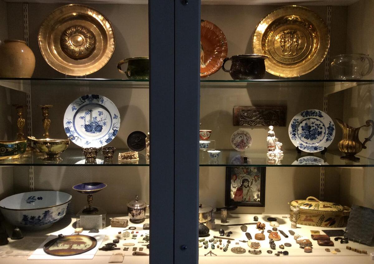 Антиквариат в музее Хант