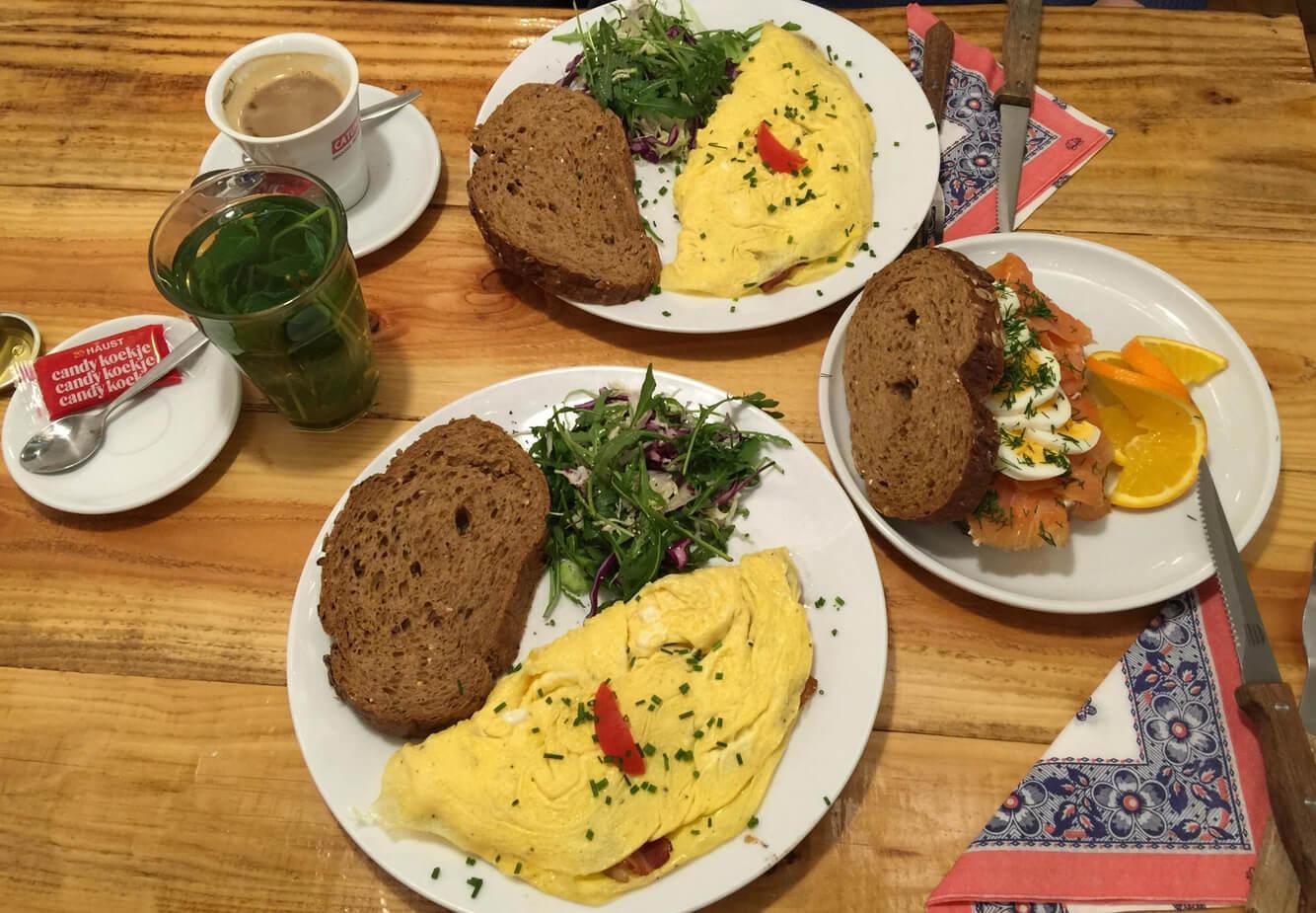 Завтрак омлетом в ресторане Omelegg – City Centre