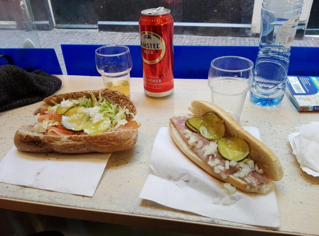 Бутерброды в ресторане Rob Wigboldus Vishandel