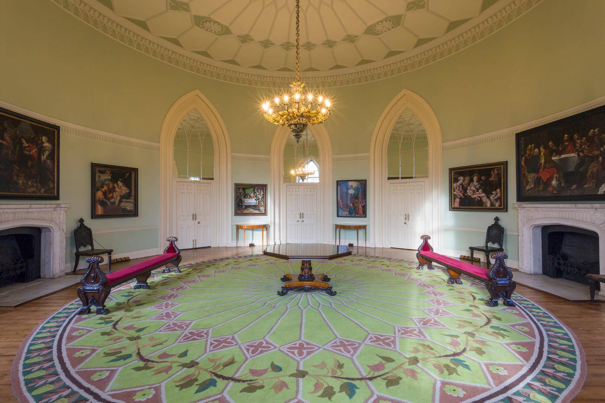 Круглая комната замка - The Gothic Room
