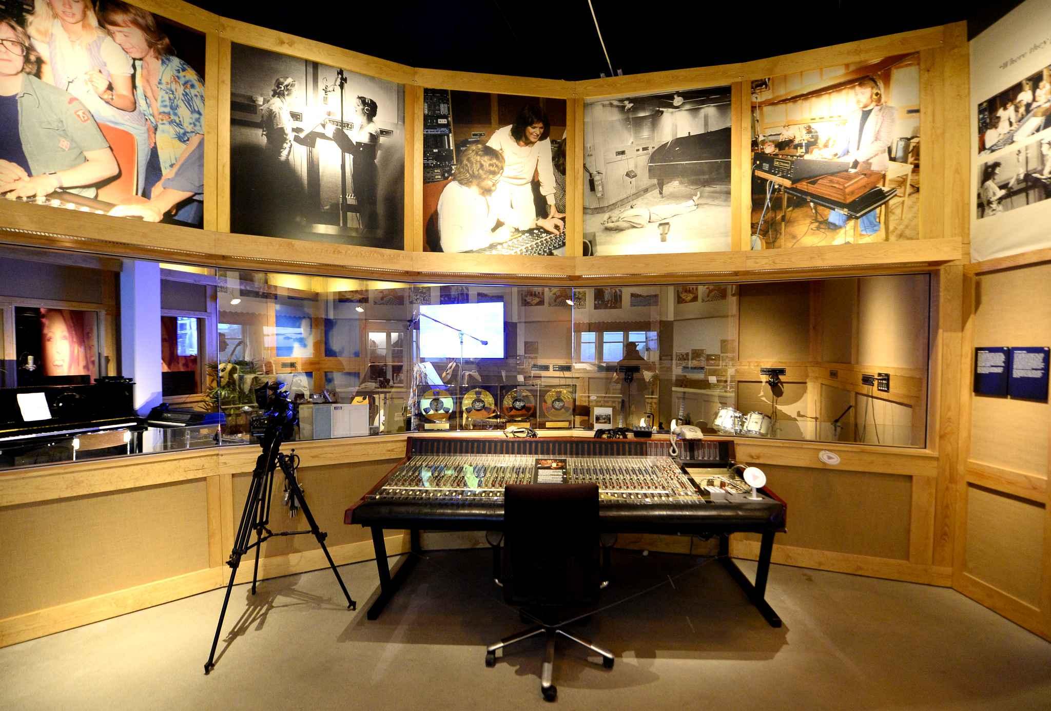 В музее группы ABBA