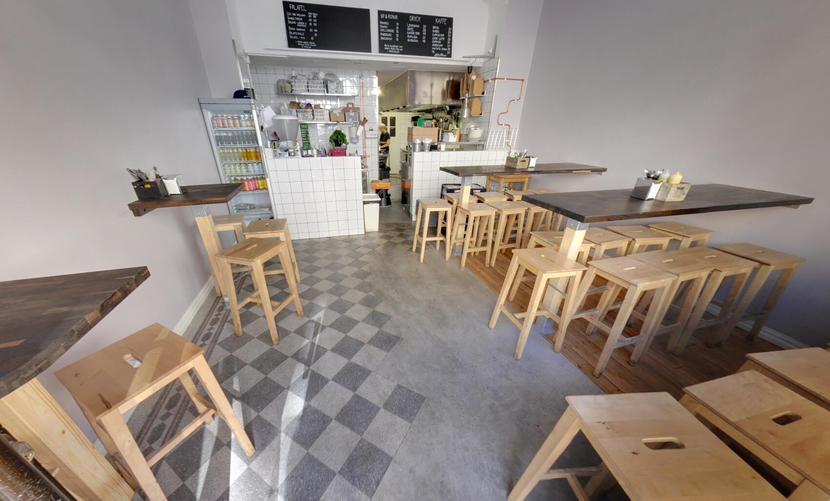 В вегетарианском баре Falafelbaren