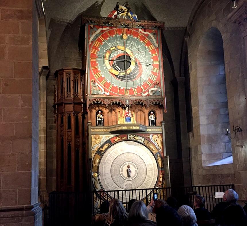Средневековые астрономические часы