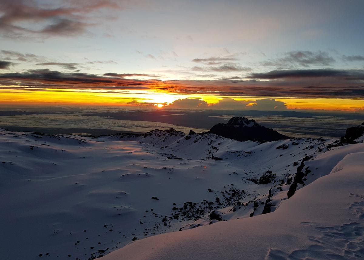 Восход солнца с Килиманджаро