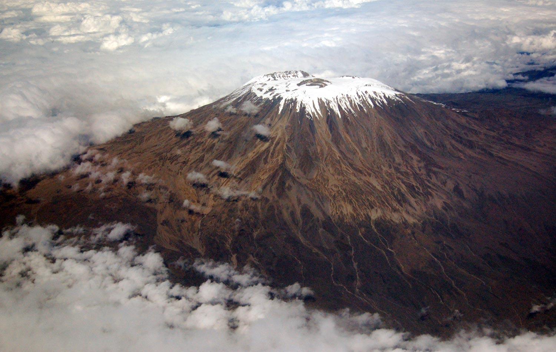 Вид на вершину горы Килиманджаро