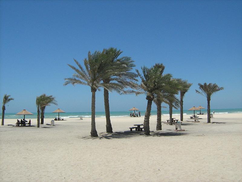 Городской пляж Аль-Корниш
