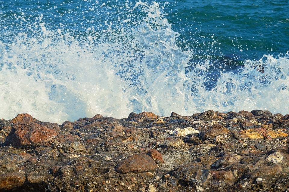 Грозные волны