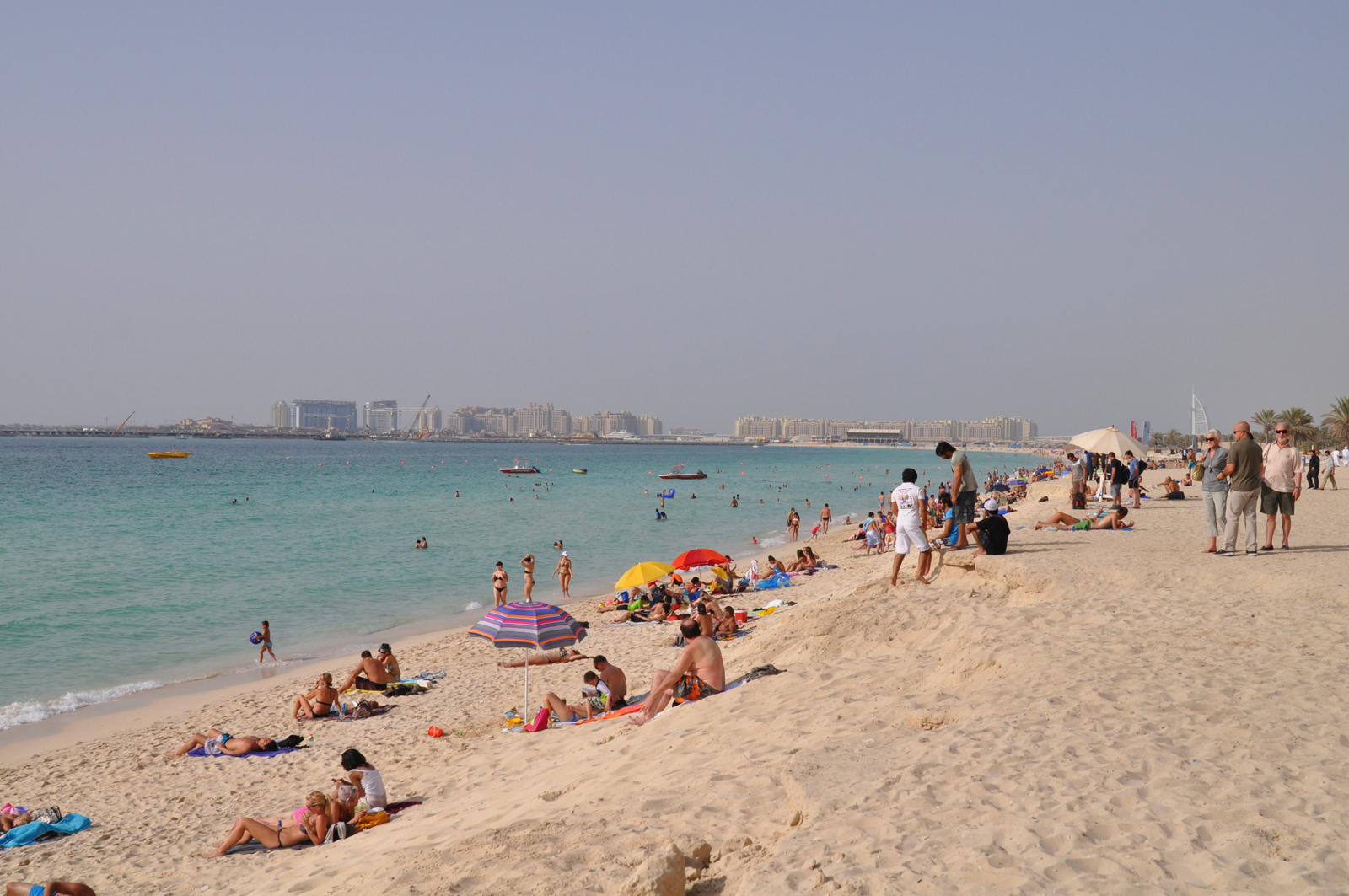 Купальный сезон в ОАЭ