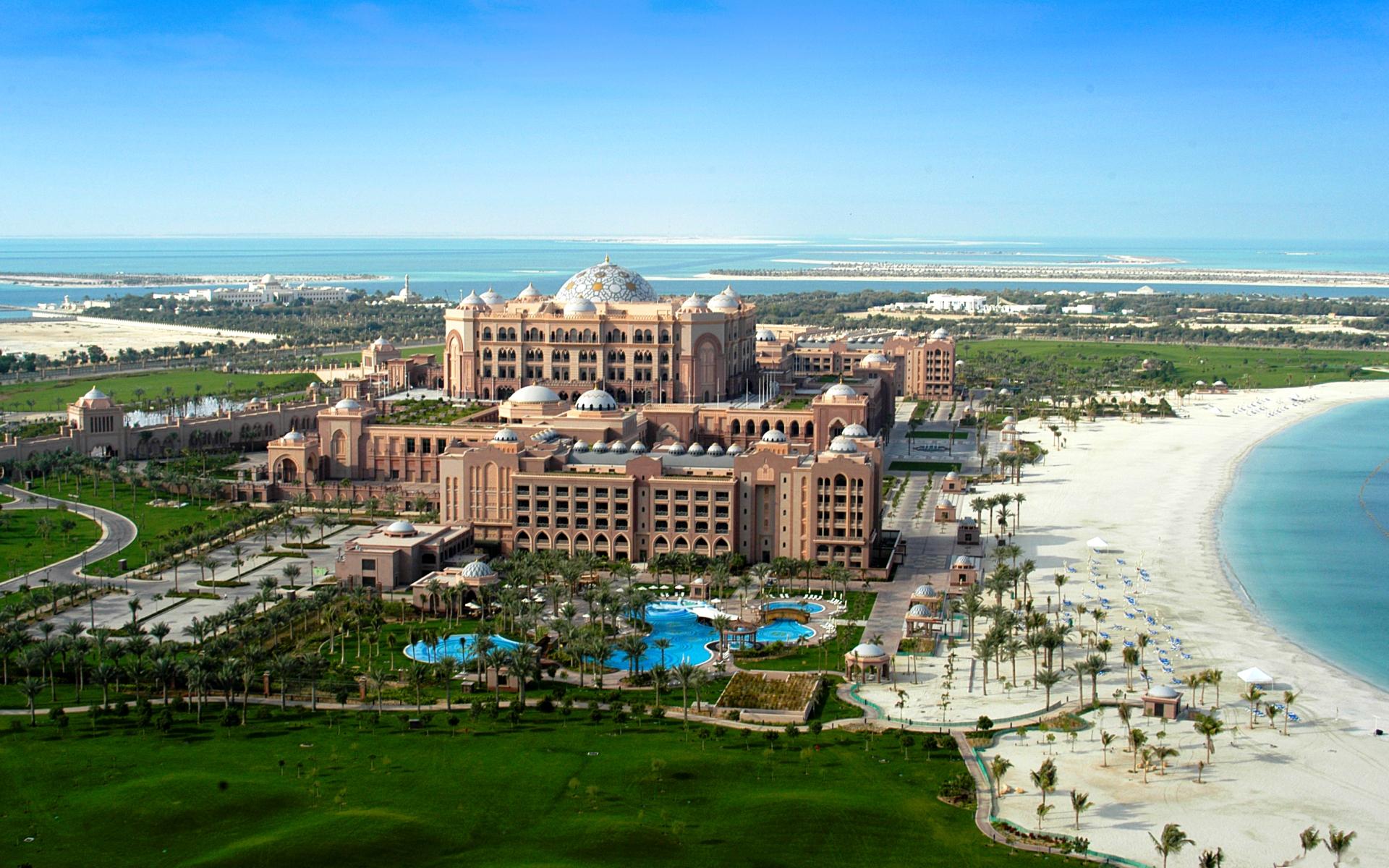 Лучшие отели Абу-Даби с собственным пляжем