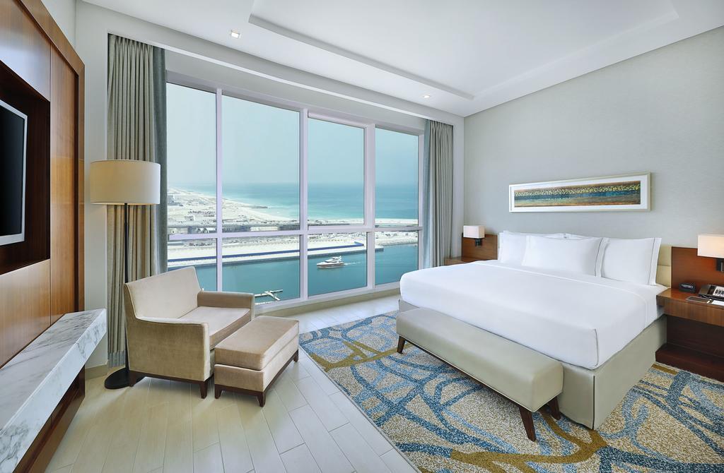 Номер в отеле DoubleTree by Hilton Dubai Jumeirah Beach