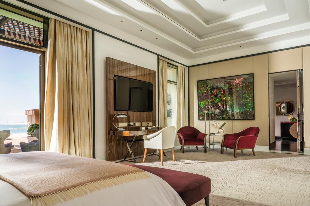 Номер в отеле Four Seasons Resort Dubai at Jumeirah Beach