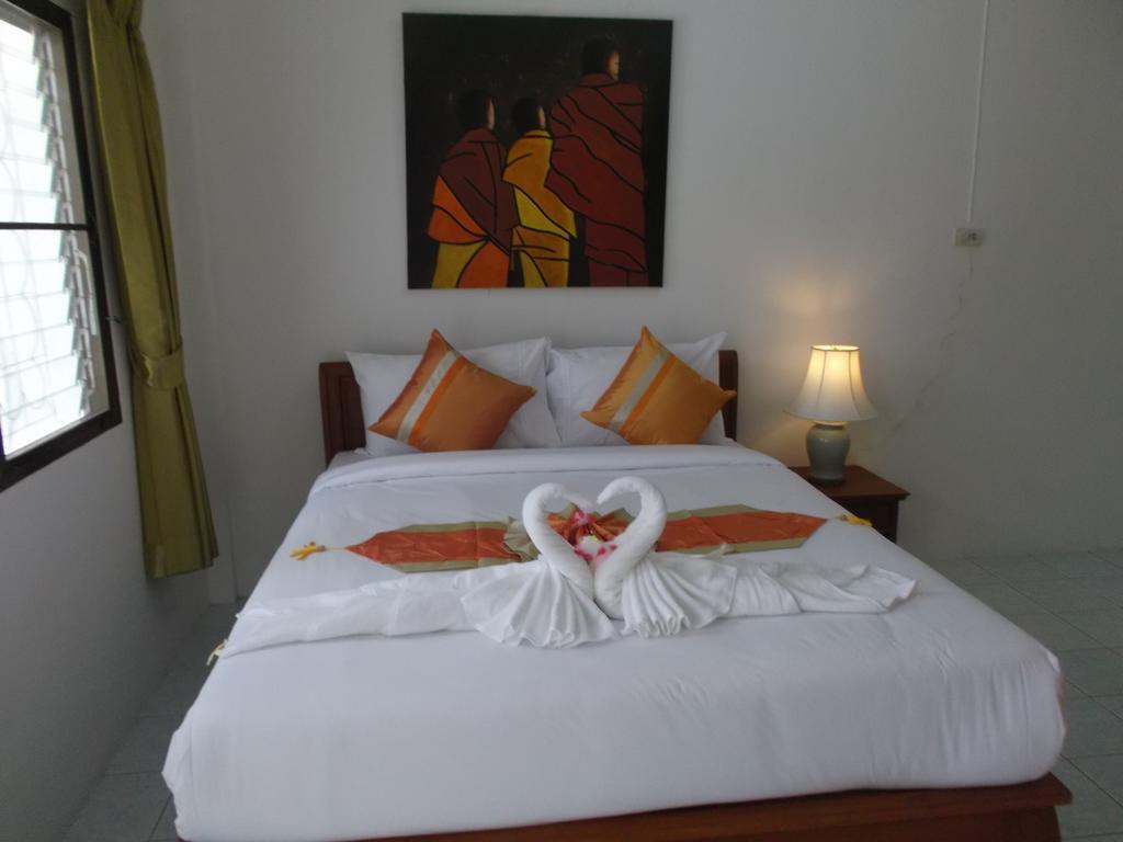 Номер в отеле Mali Garden Resort не далеко от пляжа