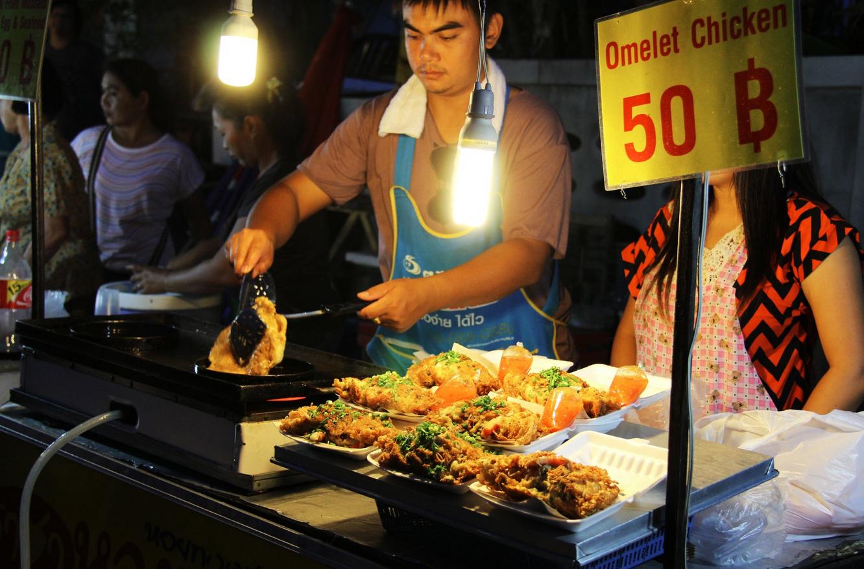 Ночной рынок Ламая