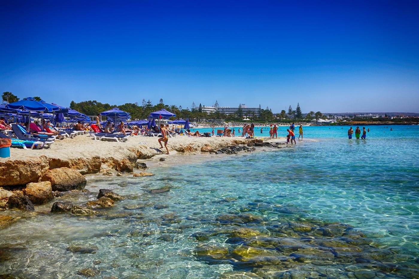 Отдых на пляже Кипра