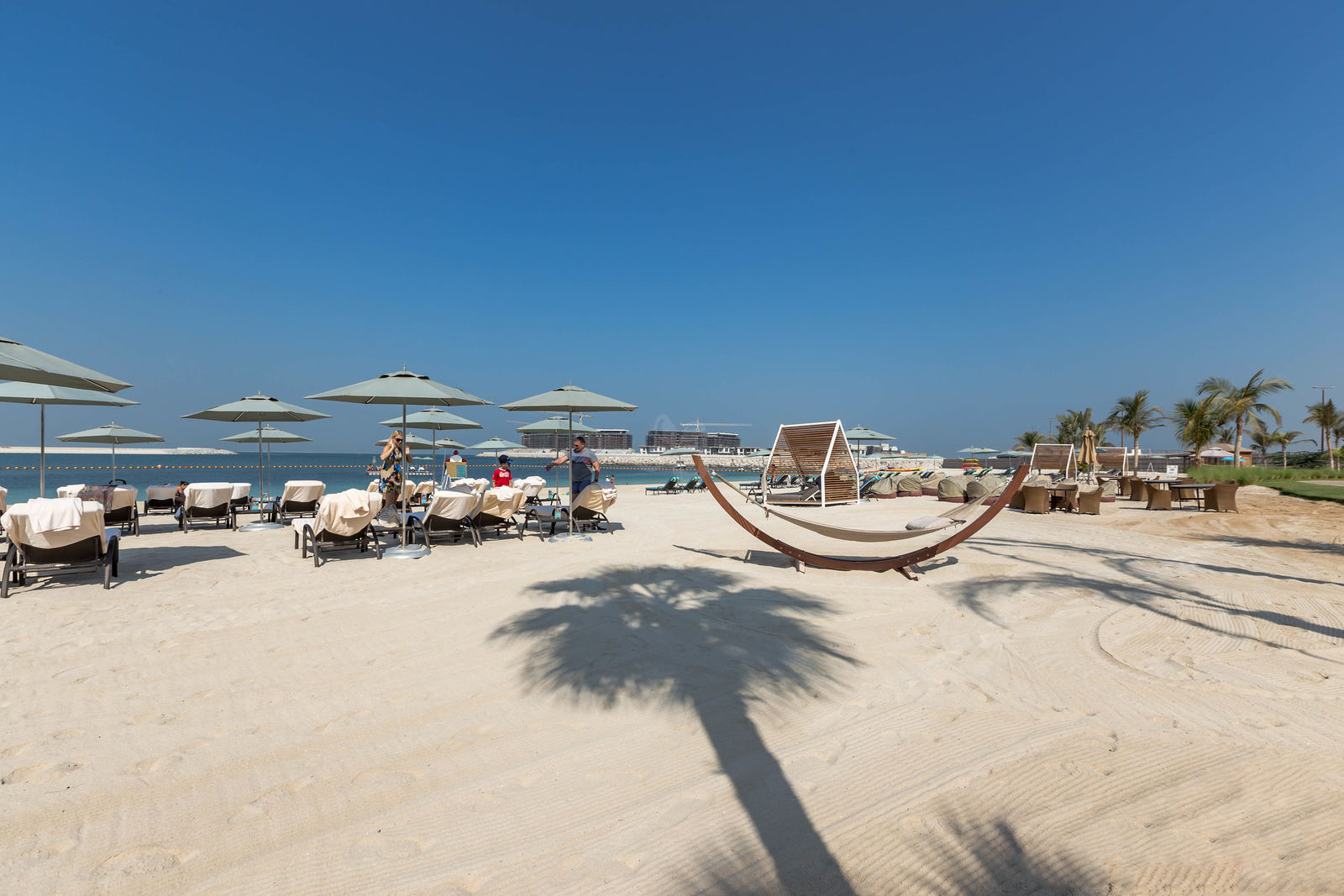 Пляж отеля Four Seasons Resort Dubai at Jumeirah Beach
