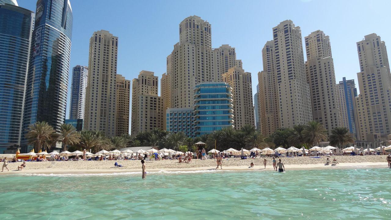 Пляж отеля Hilton Dubai The Walk
