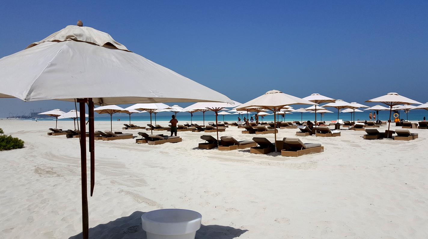 400-метровый пляж Саадият