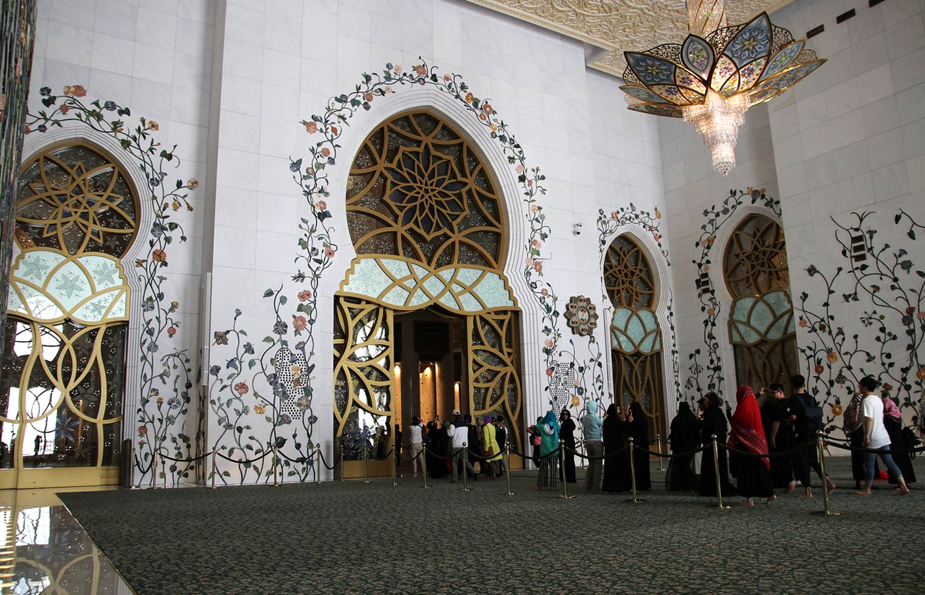 Холл Белой мечети Абу-Даби