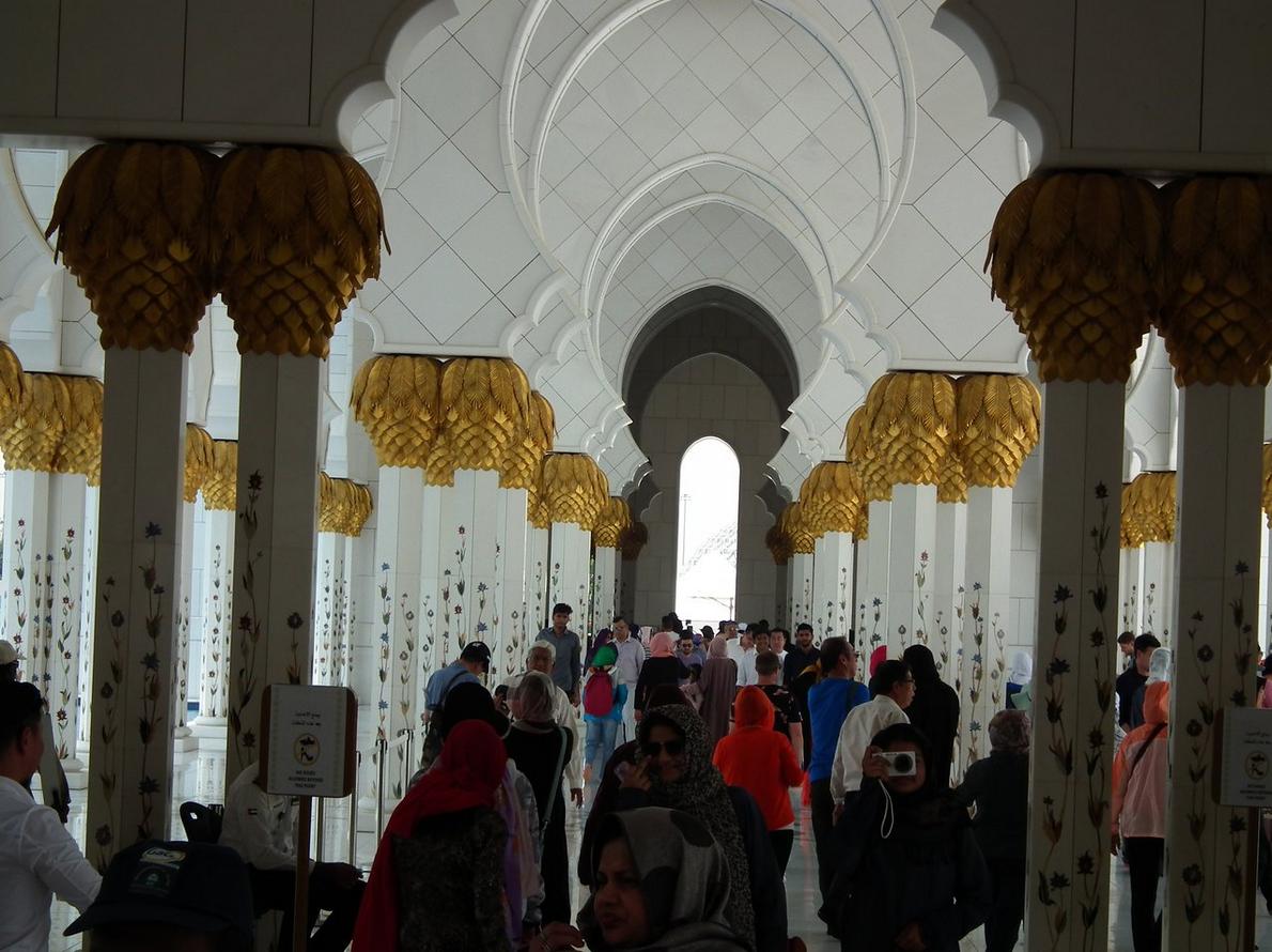 Экскурсии по мечети в Абу-Даби