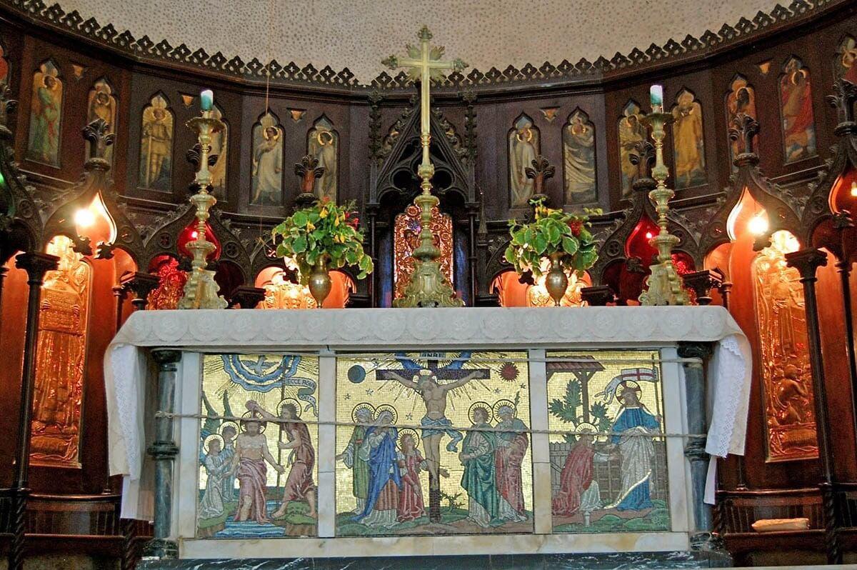 Интерьер англиканской церкви