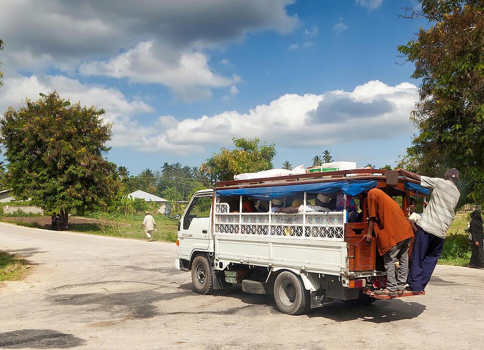 Daladala - микроавтобус выполняющем роль такси