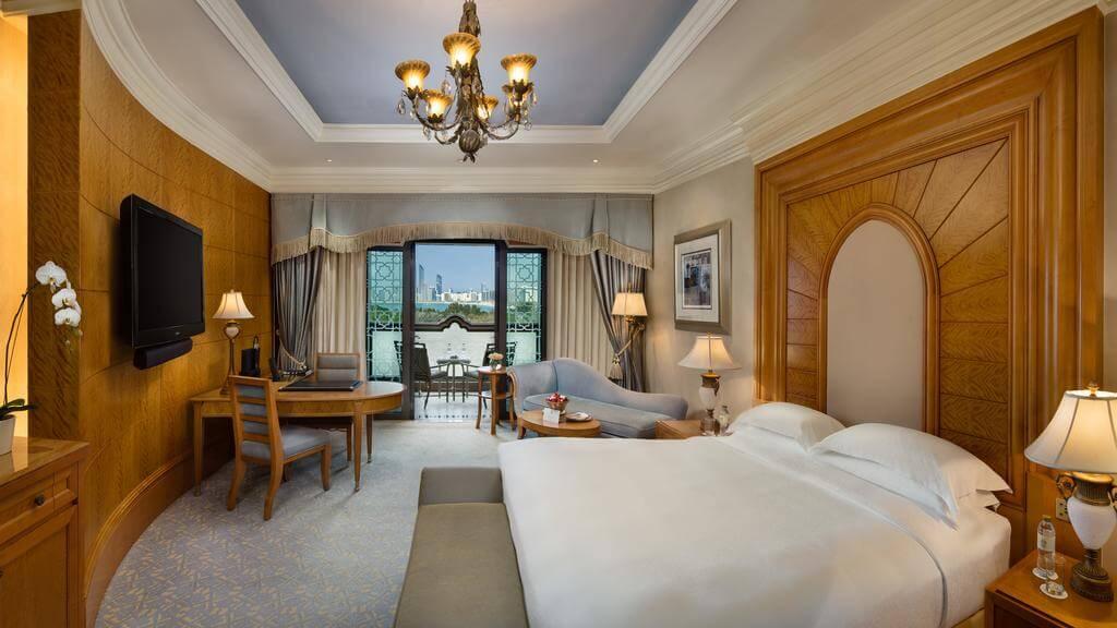 Номер в 5* отеле Emirates Palace Hotel