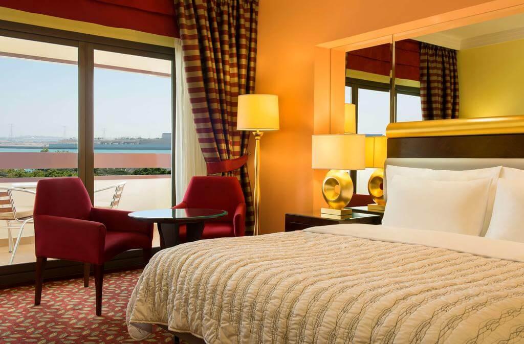 Номер в отеле Le Meridien Abu Dhabi