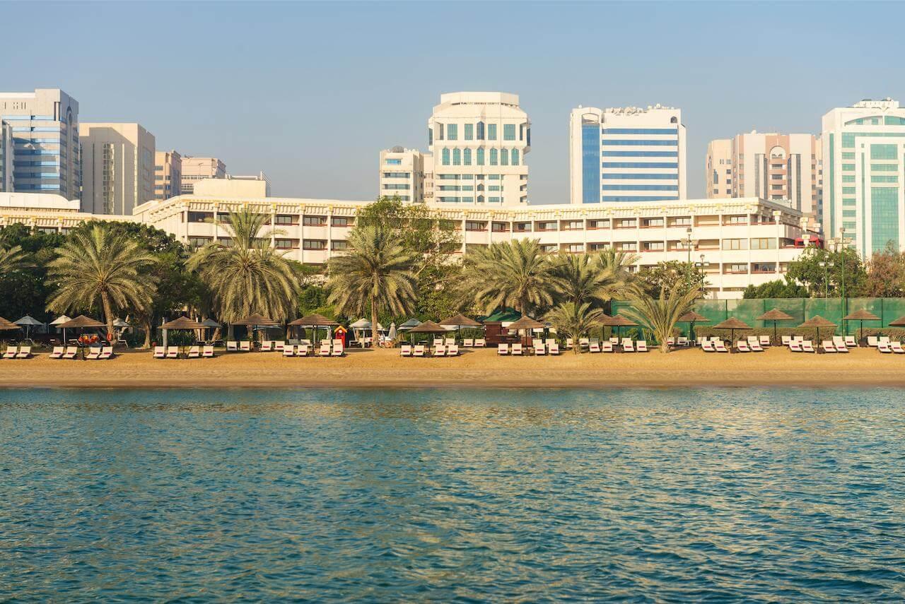 Пляж гостиницы Le Meridien Abu Dhabi