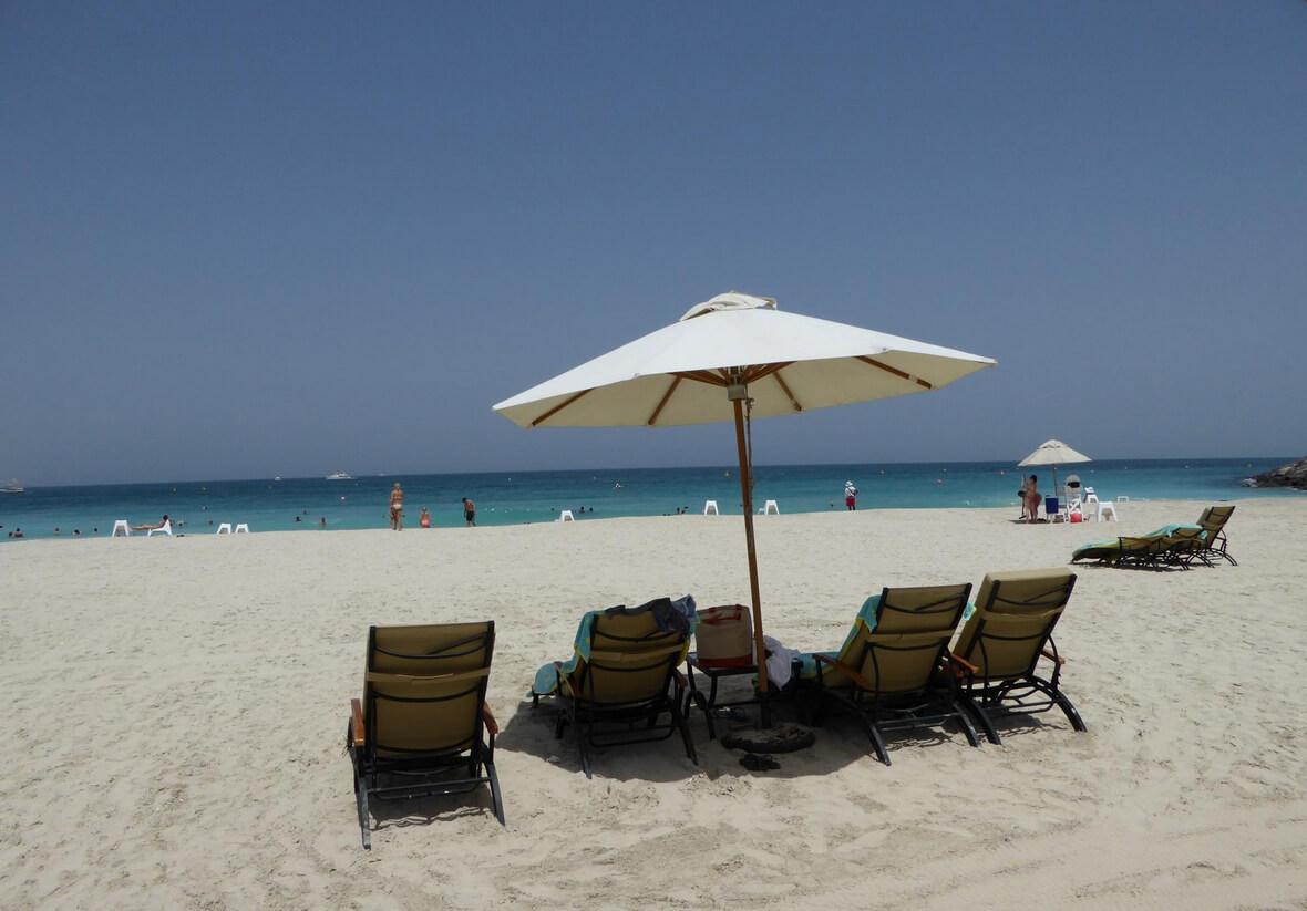 Отель Rove Dubai Marina находится пешей доступности от пляжа