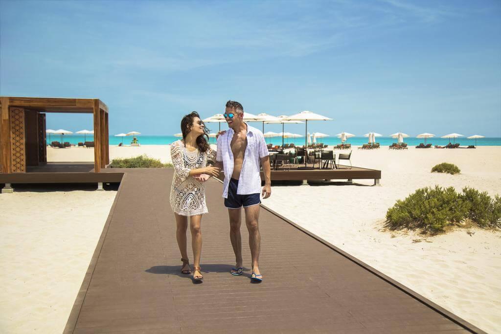 Пляж отеля Saadiyat Rotana Resort and Villas