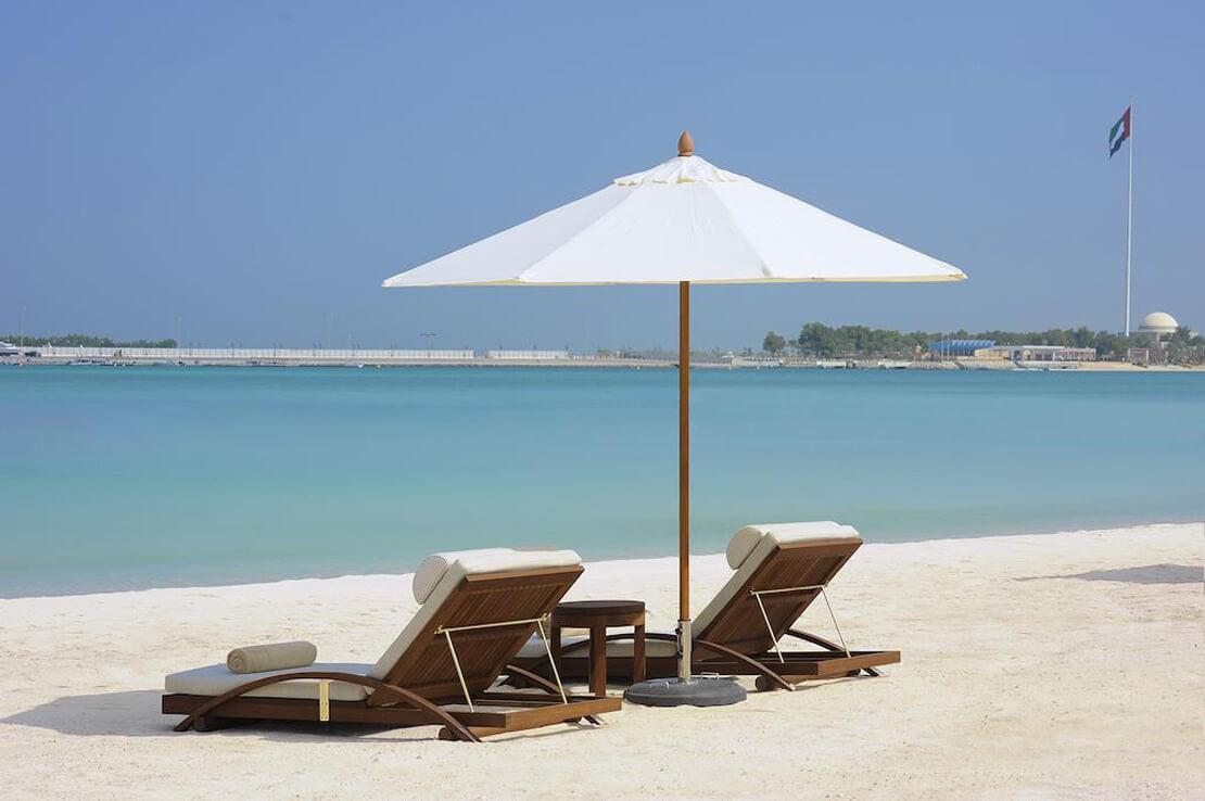 The St. Regis Abu Dhabi с личным пляжем
