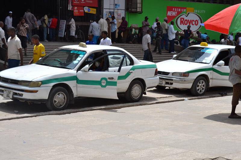 Путешествовать по городу лучше всего в такси