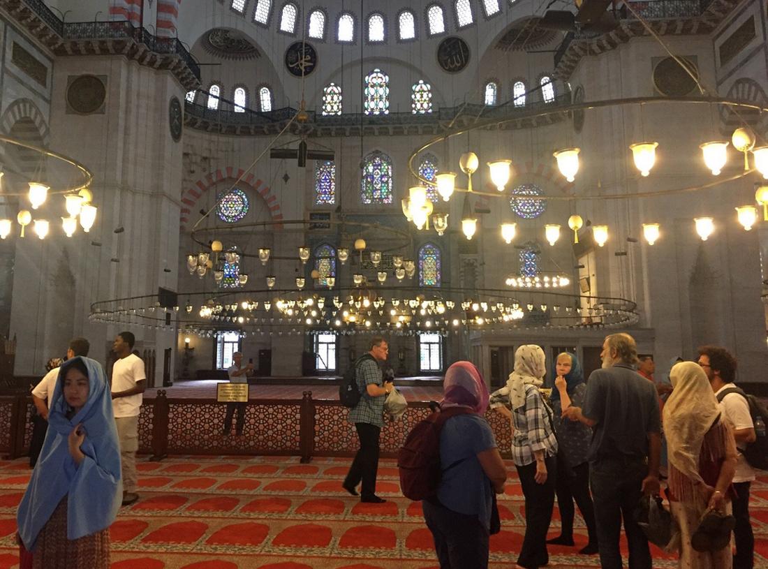 Посещение мечети Сулеймание