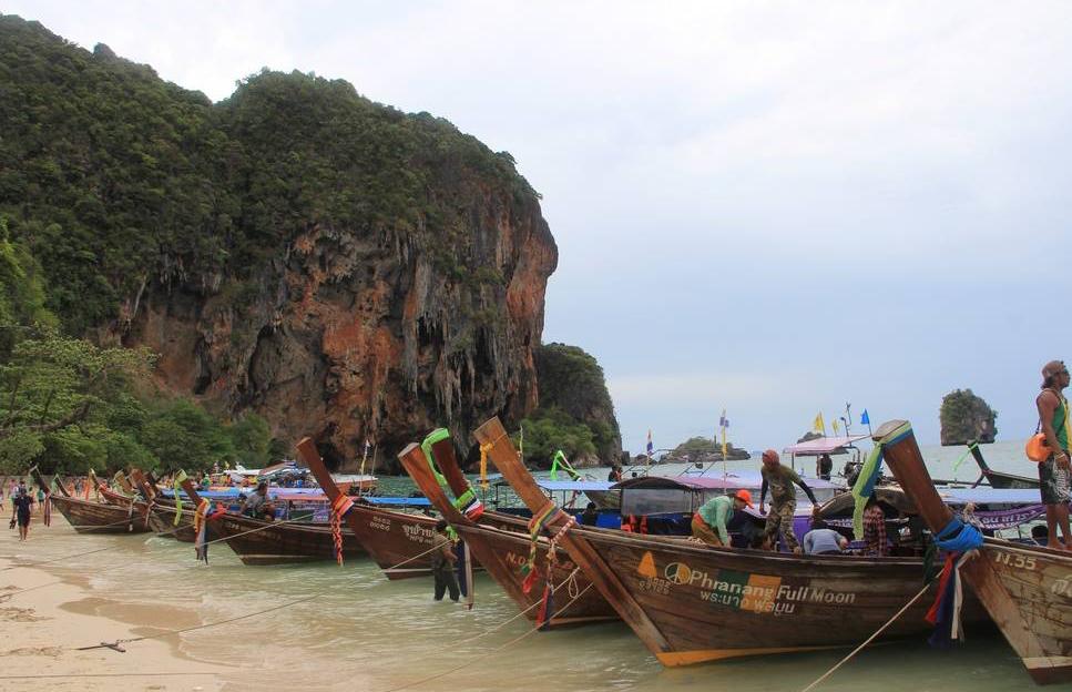 При внутрикурортном перемещении используются лодки