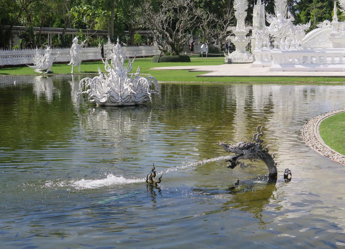 Один из фонтанов